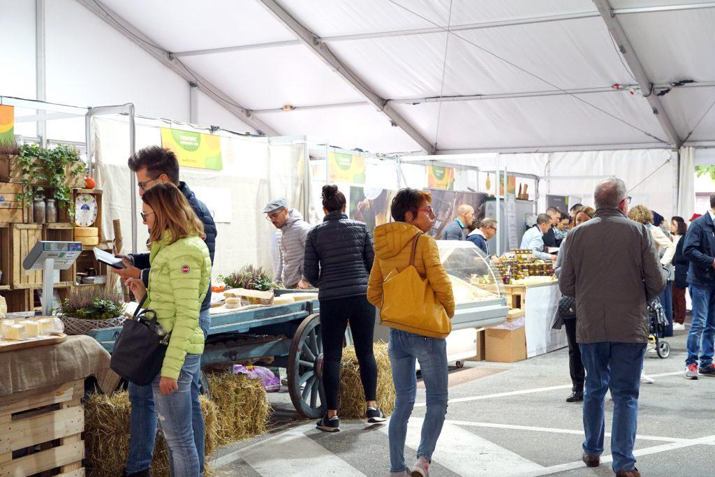 formaggiastic market stroll